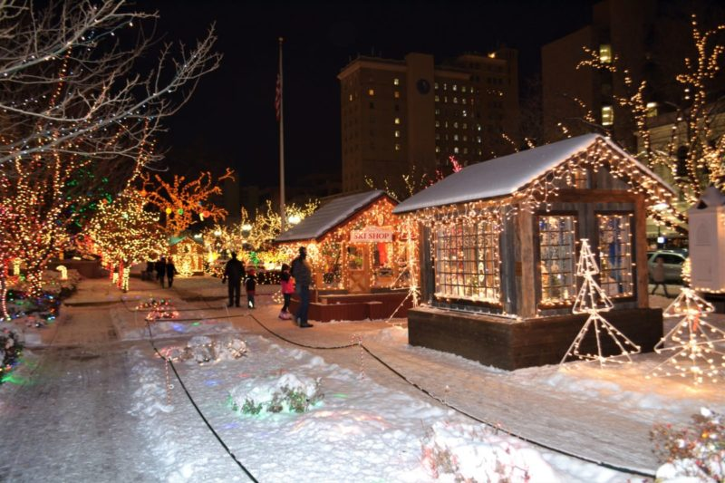 Our big list of fun Christmas activities in Utah for families | tipsforfamilytrips.com | Holiday Activities | Christmas vacation | Holiday events | Salt Lake City